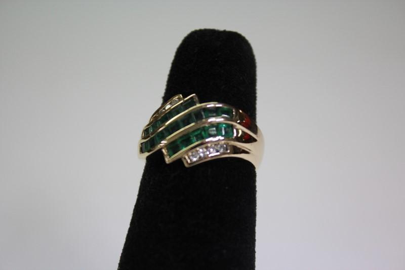 Green Stone Lady's Stone & Diamond Ring 8 Diamonds .16 Carat T.W. Size: 6
