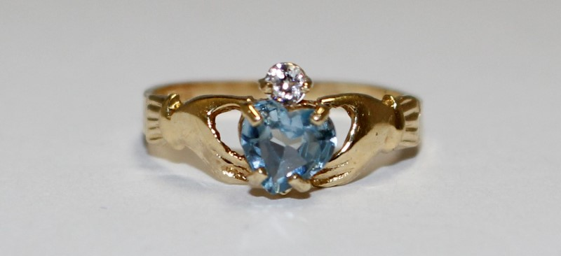 14K Women's Yellow Gold Claddagh & Heart Cut Sapphire Ring Size 7.25