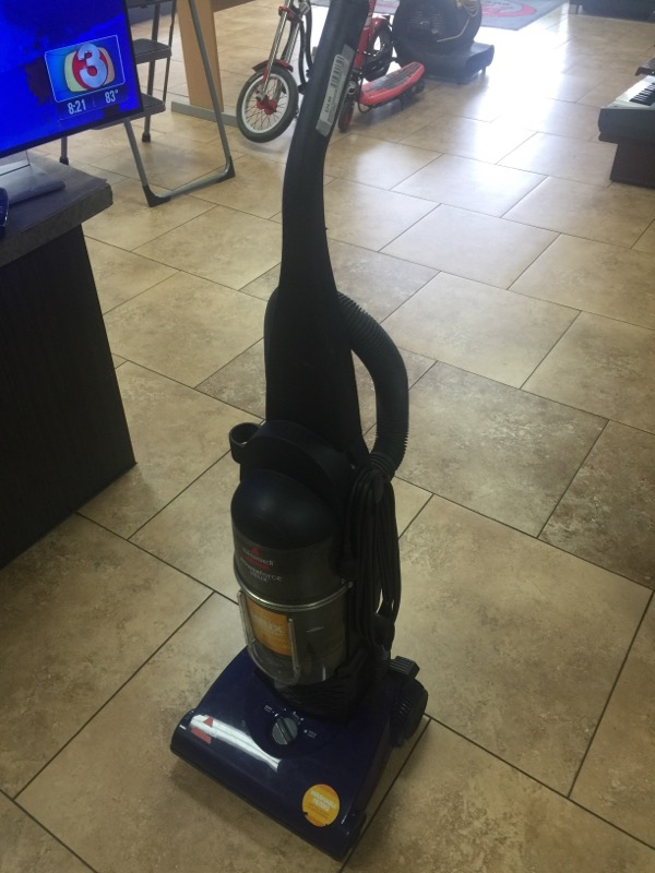 BISSELL Vacuum Cleaner 12B1