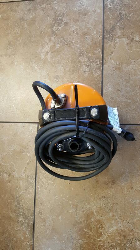 TSURUMI Vacuum Cleaner LSC1.4S
