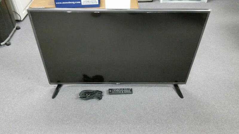 LG 42LF5600 FLAT PANEL TELEVISION, 1080P, LED,