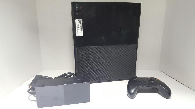 XBOX 1540 X BOX 1 SYSTEM   X BOX ONE W/KNICKET