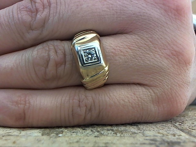 Gent's Diamond Fashion Ring .15 CT. 10K Yellow Gold 3.8g