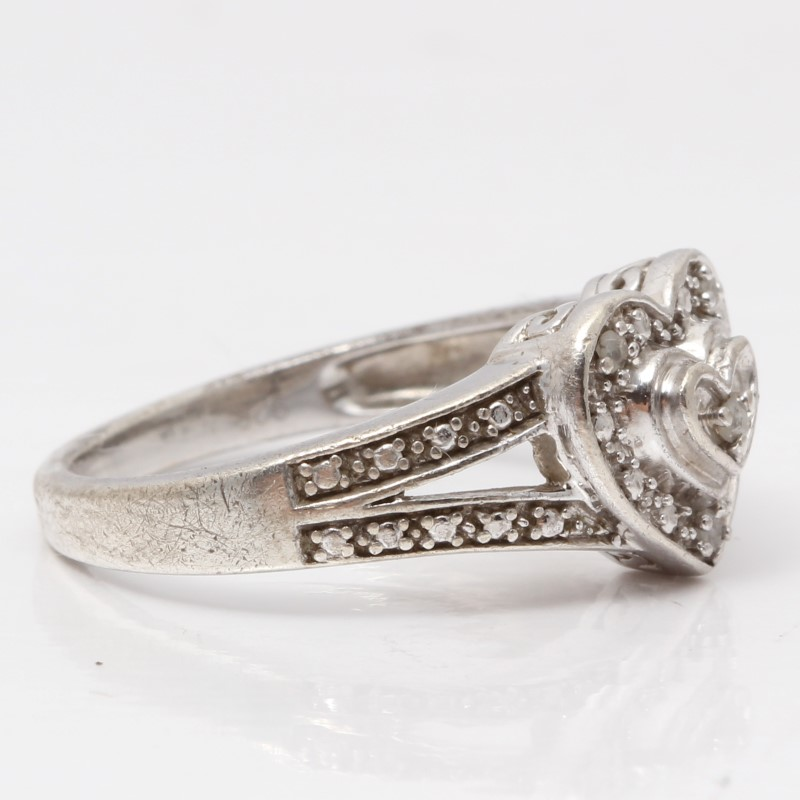 Heart Shaped Sterling Silver Basket Set Filigree Detail Ring SIze 7