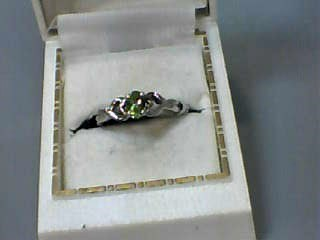 Synthetic Peridot Lady's Stone Ring 10K White Gold 1.6dwt Size:7