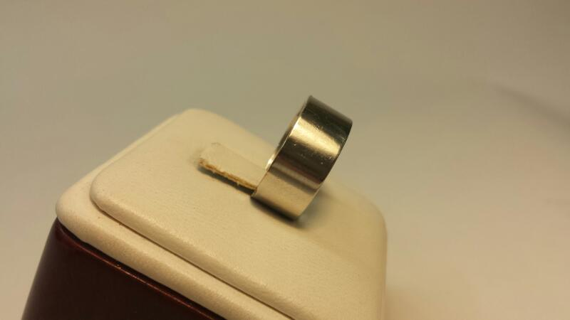 Platinum 950 Plain Band Size 6