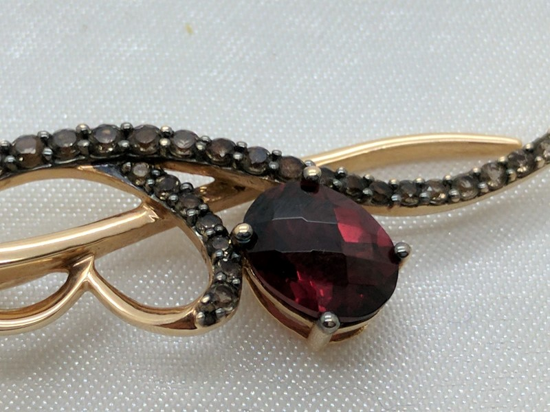 Almandite Garnet Gold-Diamond & Stone Pendant 28 Diamonds .28 Carat T.W.