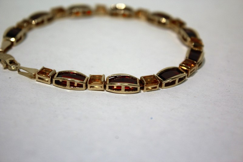 Red Stone Gold-Stone Bracelet 14K Yellow Gold 9.3g