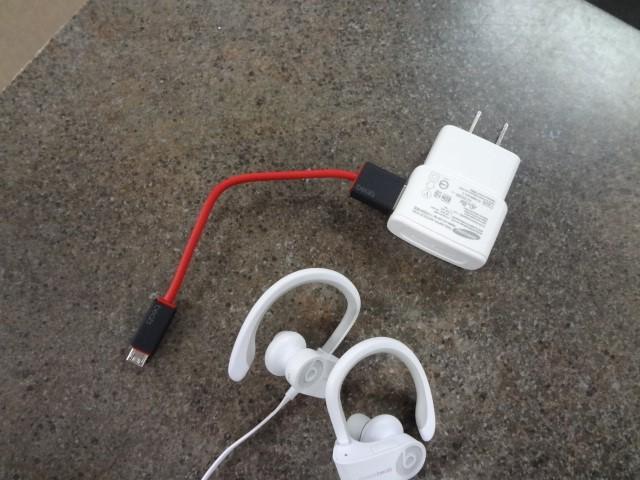 BEATS AUDIO Headphones POWERBEATS 2 | WIRELESS IN EAR HEADPHONE