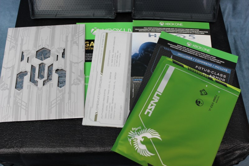 Microsoft Xbox One Halo 5 Edition 1TB Bundle