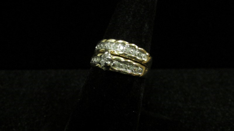 Lady's Diamond Wedding Set 18 Diamonds .24 Carat T.W. 10K Yellow Gold 4.6g