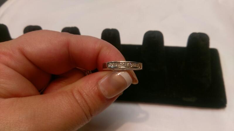 Lady's Diamond Wedding Band 8 Diamonds .16 Carat T.W. 14K White Gold 2.5g Sz4.5