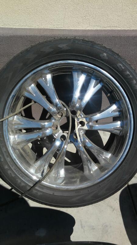 "Wheel 22"" RIMS"