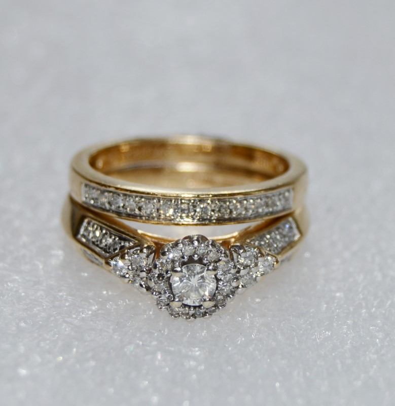 Lady's Diamond Wedding Set 36 Diamonds .85 Carat T.W. 14K Yellow Gold 7.4g
