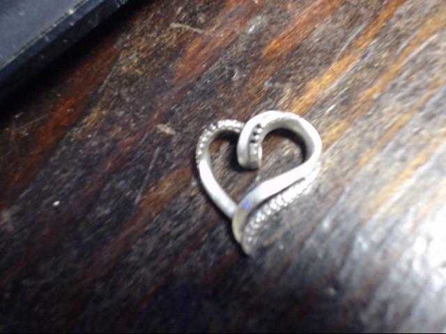 Silver-Diamond Pendant 6 Diamonds .06 Carat T.W. 925 Silver 2.9g