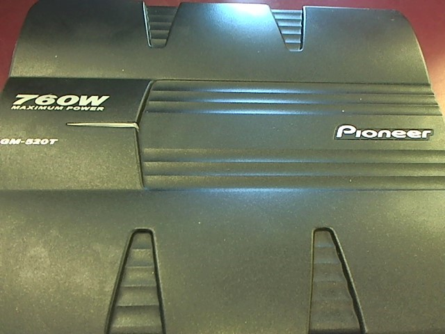 PIONEER 760 WATT CAR AMP GM-520T