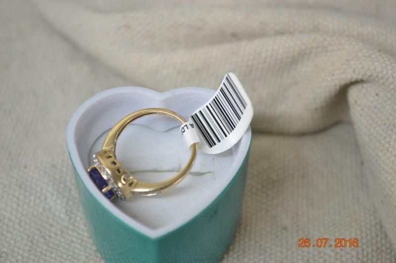 Tanzanite Lady's Stone & Diamond Ring 37 Diamonds .53 Carat T.W.