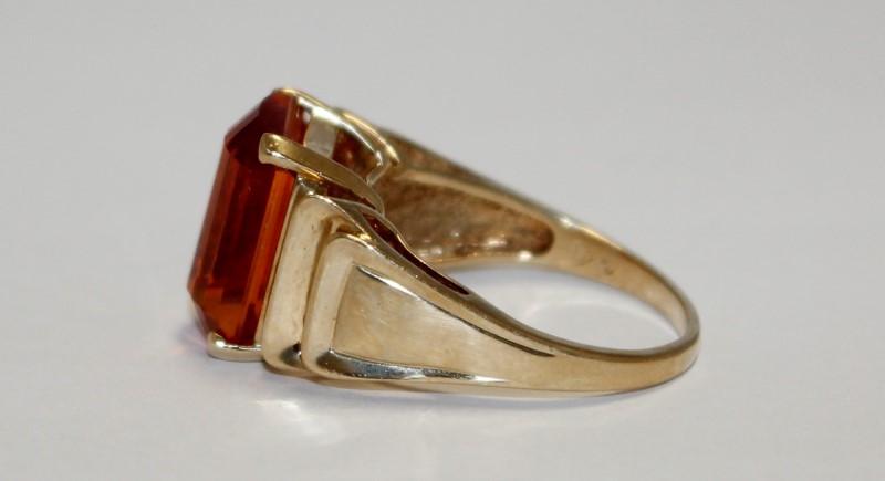 ORANGE STONE RADIANT CUT LADY'S STONE RING 10K YELLOW GOLD 6.3g SIZE 7