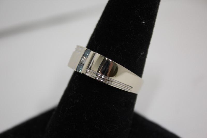 Gent's Diamond Fashion Ring 3 Diamonds .30 CTW 14KWG 5.7g Size: 10.75