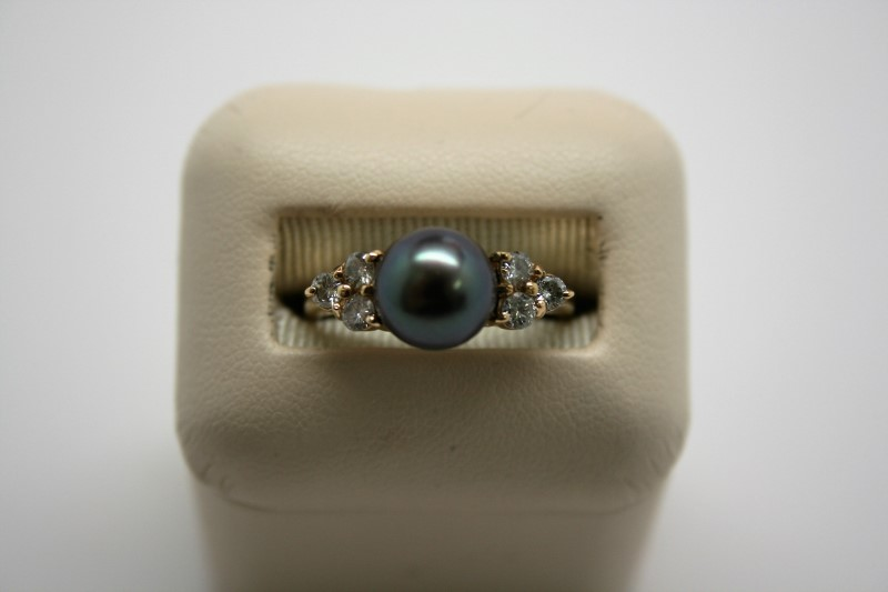 LADY'S FASHION PEARL RING 18K YELLOW GOLD