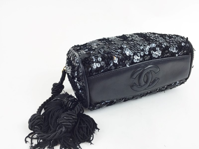 CHANEL VINTAGE PAILLETE ZIGZAG EVENING BAG