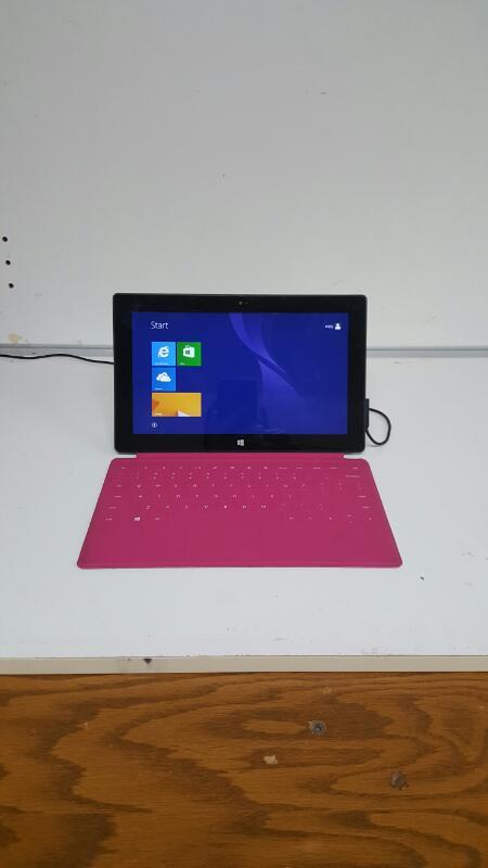 "Microsoft Model 1516 Surface Windows RT 32gb 10.6"" w/ Keyboard"
