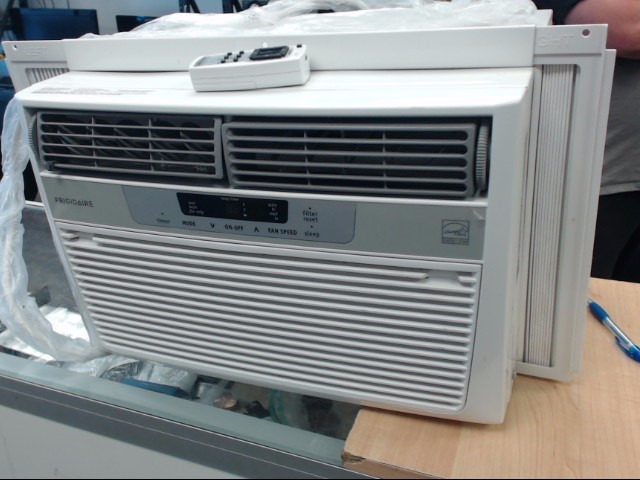 FRIGIDAIRE Air Conditioner FFRE06B3Q1