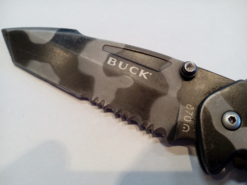 "BUCK 4"" STAINLESS TIGER CAMO FOLDING KNIFE"
