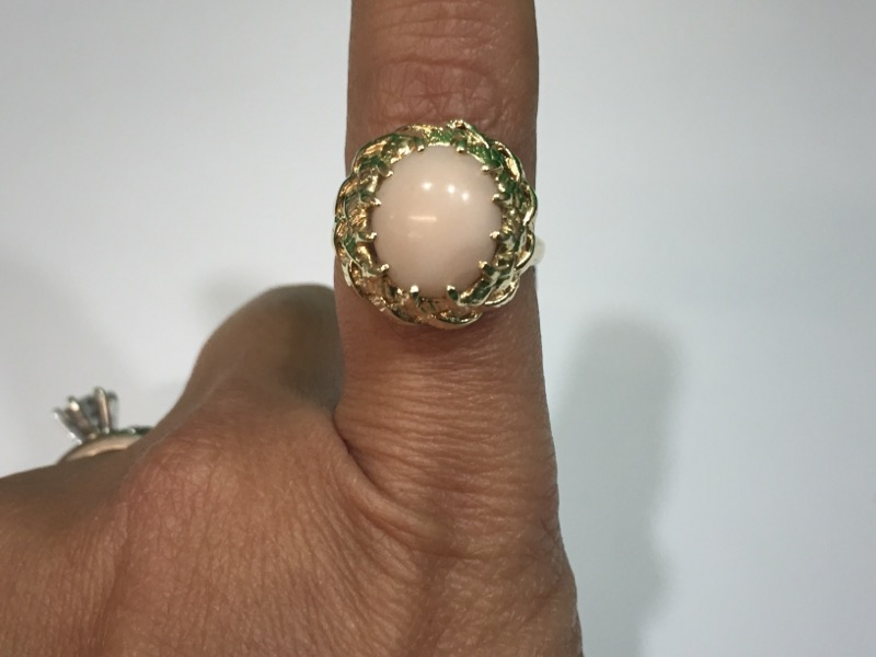Pink Stone Lady's Stone Ring 14K Yellow Gold 5.5g. Size 6.5