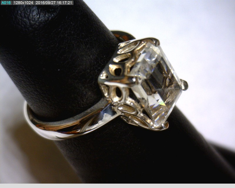 White Stone Lady's Silver & Stone Ring 925 Silver 2.08dwt Size:6