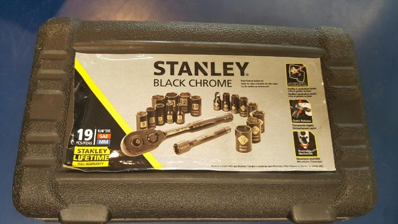 STANLEY 19 PC SAE/MM SOCKET SET W/RATCHET
