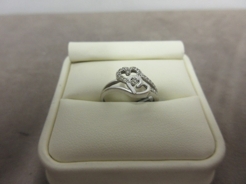 Lady's Diamond Cluster Ring 25 Diamonds .25 Carat T.W. 10K White Gold 1.92g