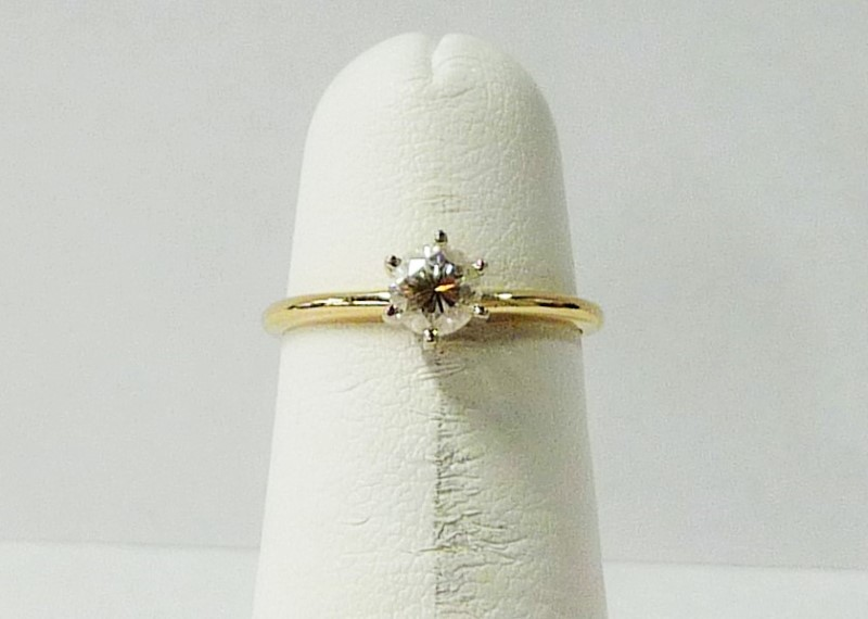 Lady's Diamond Engagement Ring .40 CT. 14K Yellow Gold 0.89dwt