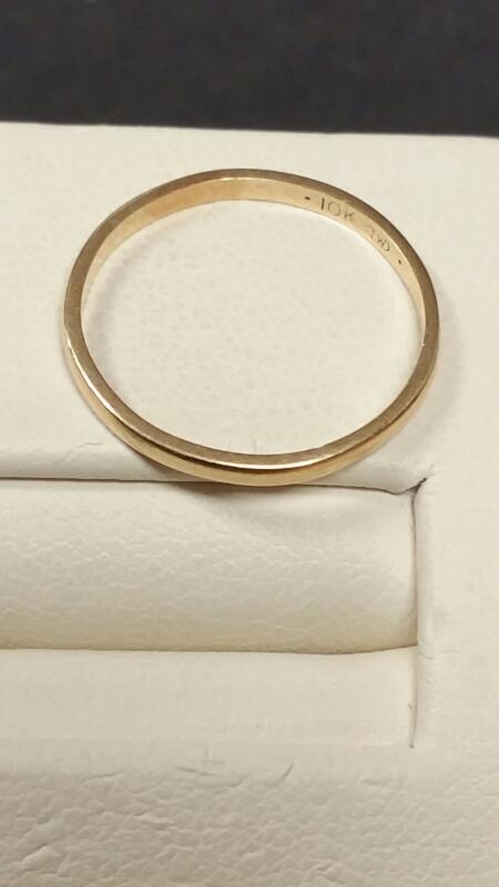 Lady's Gold Ring 10K Yellow Gold 0.6dwt