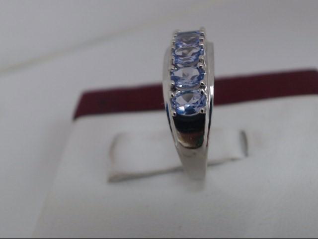 Lady's Gold Ring 14K White Gold 2.2g
