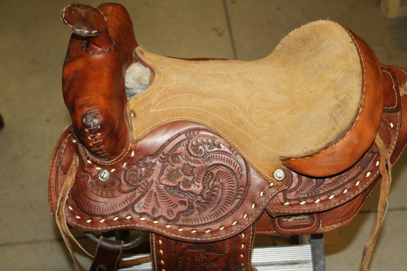 SMALL ADULT YOUTH WESTERN SADDLE TOOLED LEATHER USED 13-14 FREE SHIP