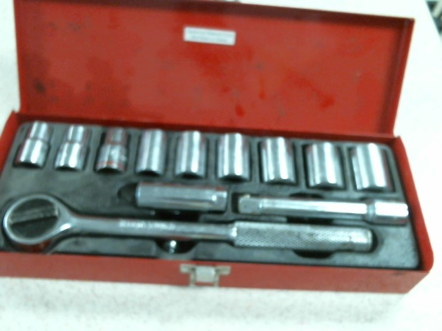 KLEIN TOOLS Sockets/Ratchet 12PC SOCKET SET