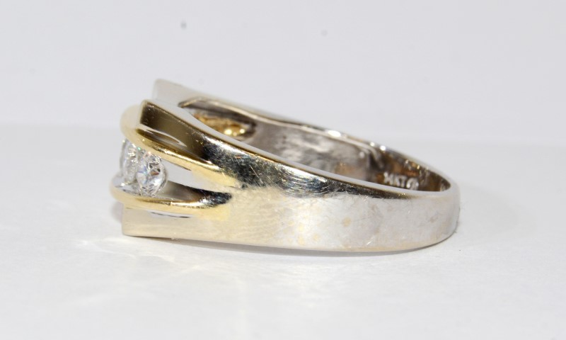 14K 2 Tone Channel Wedding Band Size 13