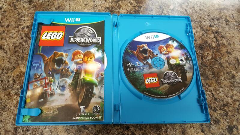 LEGO Jurassic World (Nintendo Wii U, 2015)