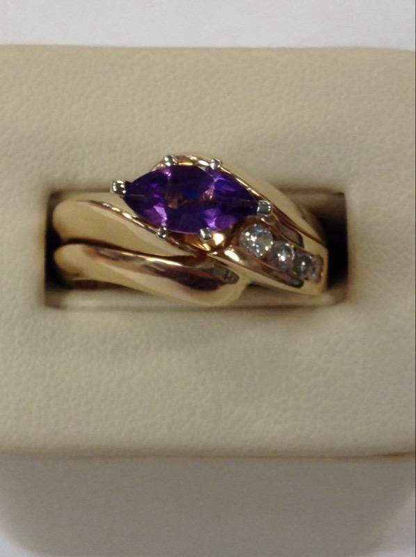 Amethyst Lady's Stone & Diamond Ring 4 Diamonds .16 Carat T.W. 14K Yellow Gold