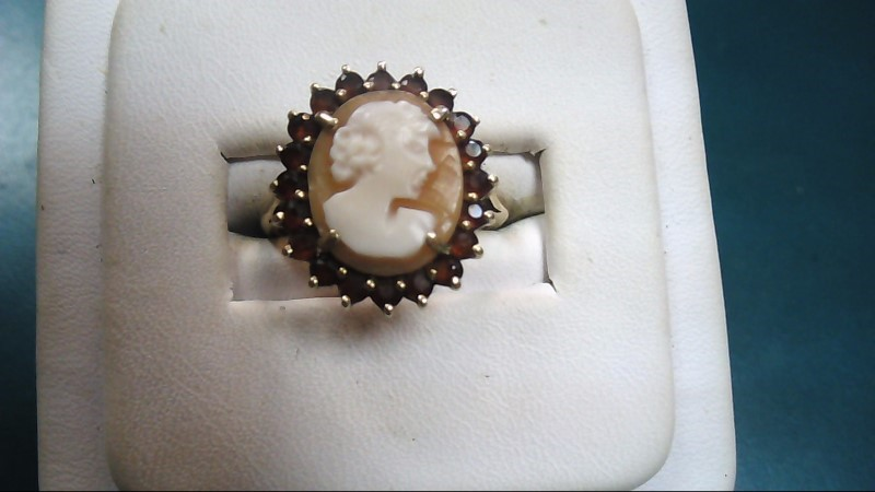 Lady's Cameo Ring 10K Yellow Gold 2.9g Size:7