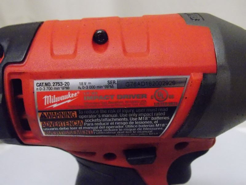 MILWAUKEE M18 18-VOLT LITHIUM-ION CORDLESS BRUSHLESS HAMMER DRILL/IMPACT DRIVER
