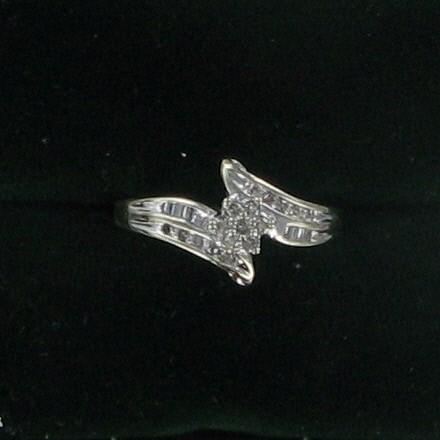 Lady's Diamond Fashion Ring 25 Diamonds .25 Carat T.W. 10K White Gold 1.6dwt