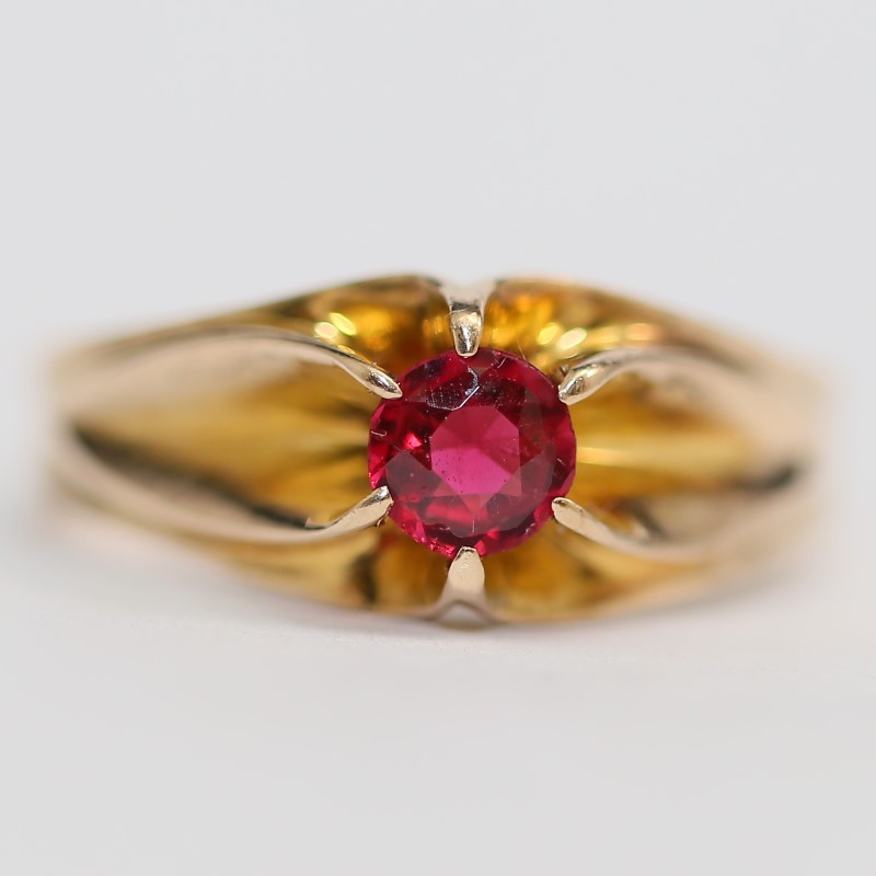 10K Yellow Gold Round Cut Ruby Ring Size 11.5