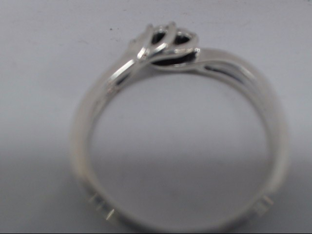 Lady's Silver Ring 925 Silver 3.8g