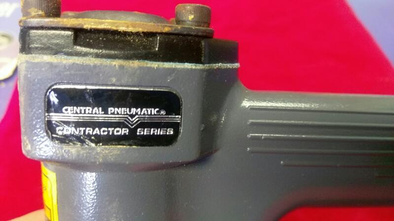 CENTRAL PNEUMATIC NAILER/STAPLER 97572
