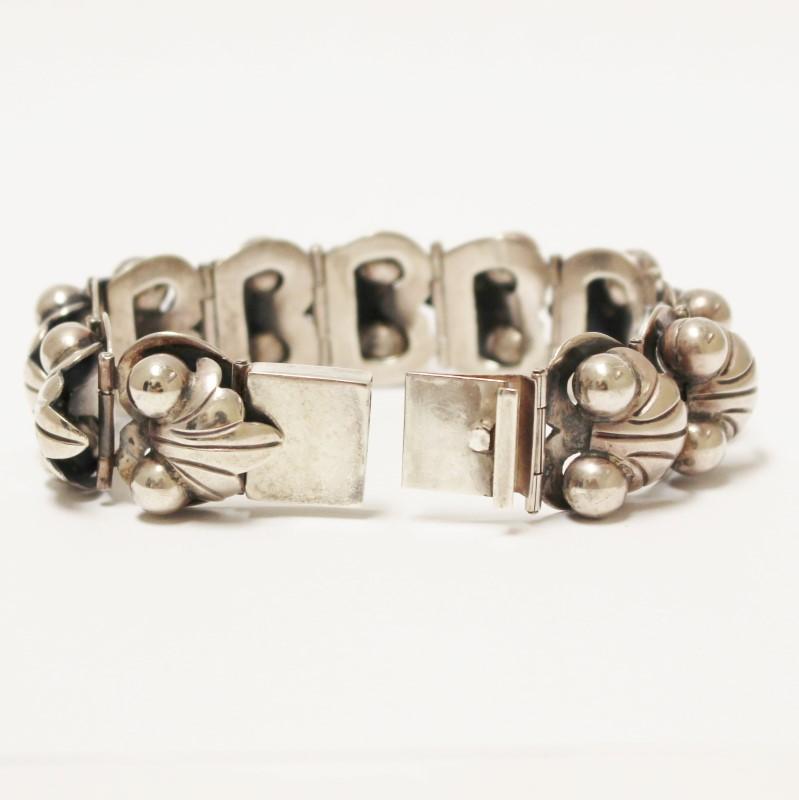 """Vintage Inspired 7"""" Sterling Silver Leaf Bracelet"""