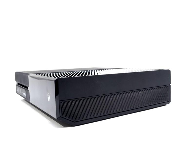 Microsoft Xbox One Home Gaming Console Model 1540 500GB Black Bundle