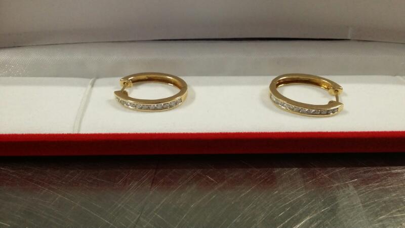 Gold-Diamond Earrings 22 Diamonds .22 Carat T.W. 10K Yellow Gold 7.5g