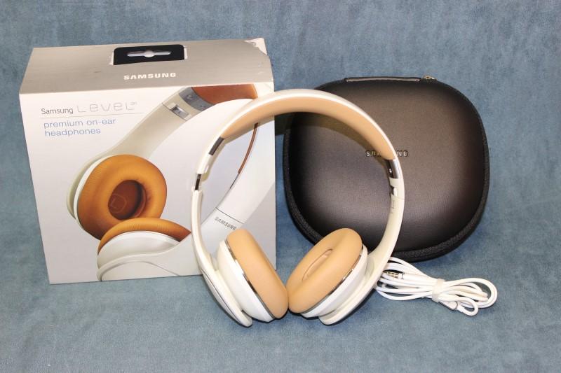 Samsung Level On Over-the-Ear Headphones